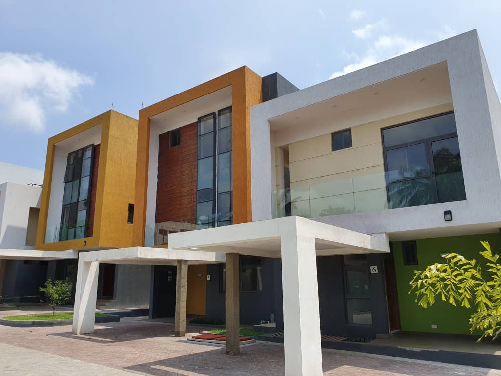 4 BEDROOM TOWNHOUSE FOR SALE AT AIRPORT RESIDENTIAL AREA