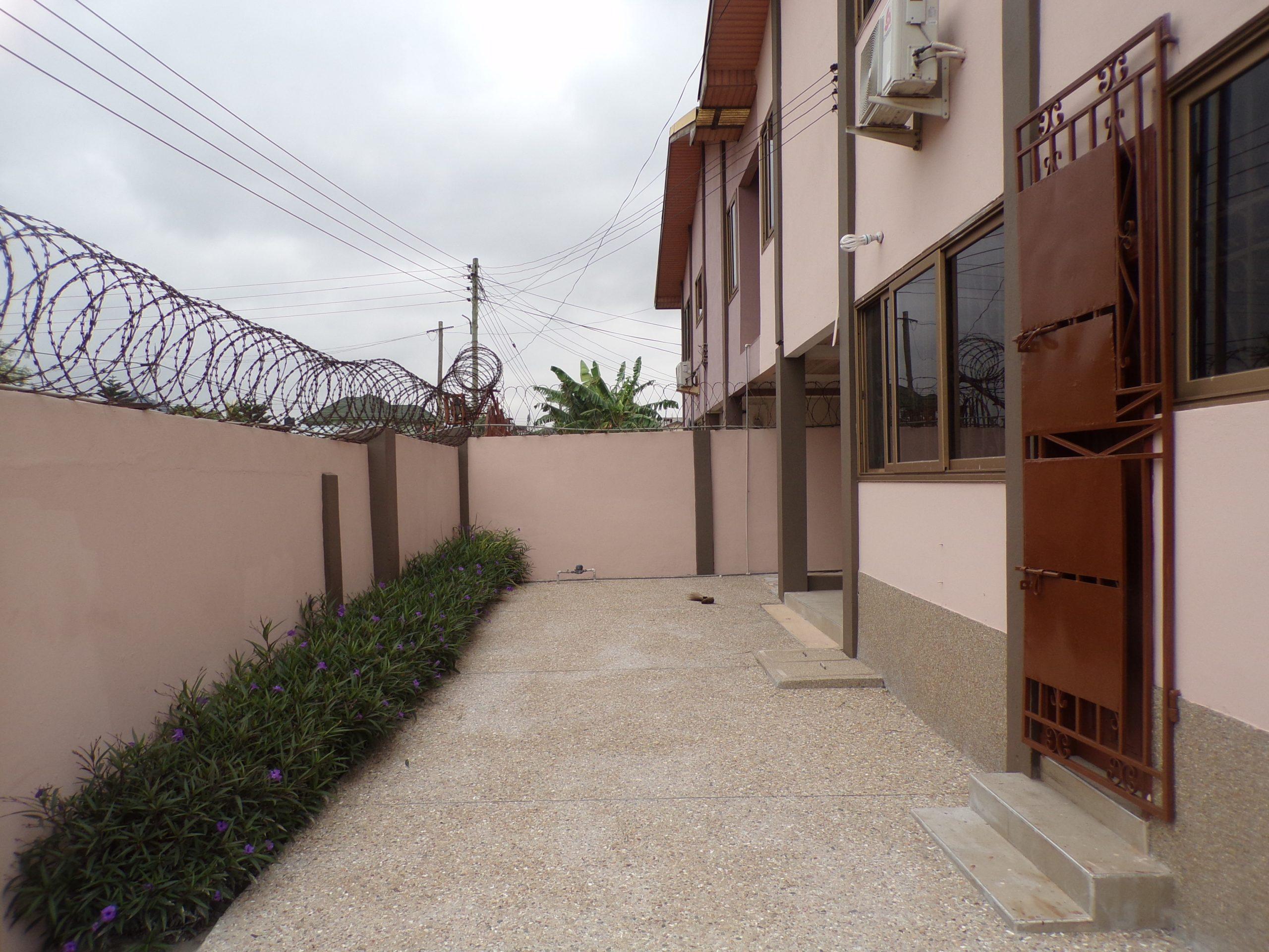 3 bedroom Apartment for Rent at Adjiringanor