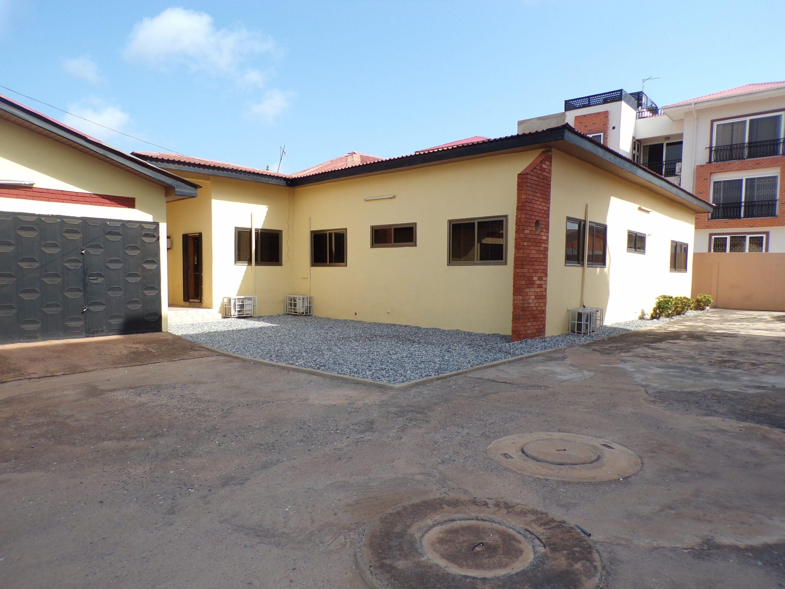 4 bedroom Unfurnished House for Rent in Adjiringanor