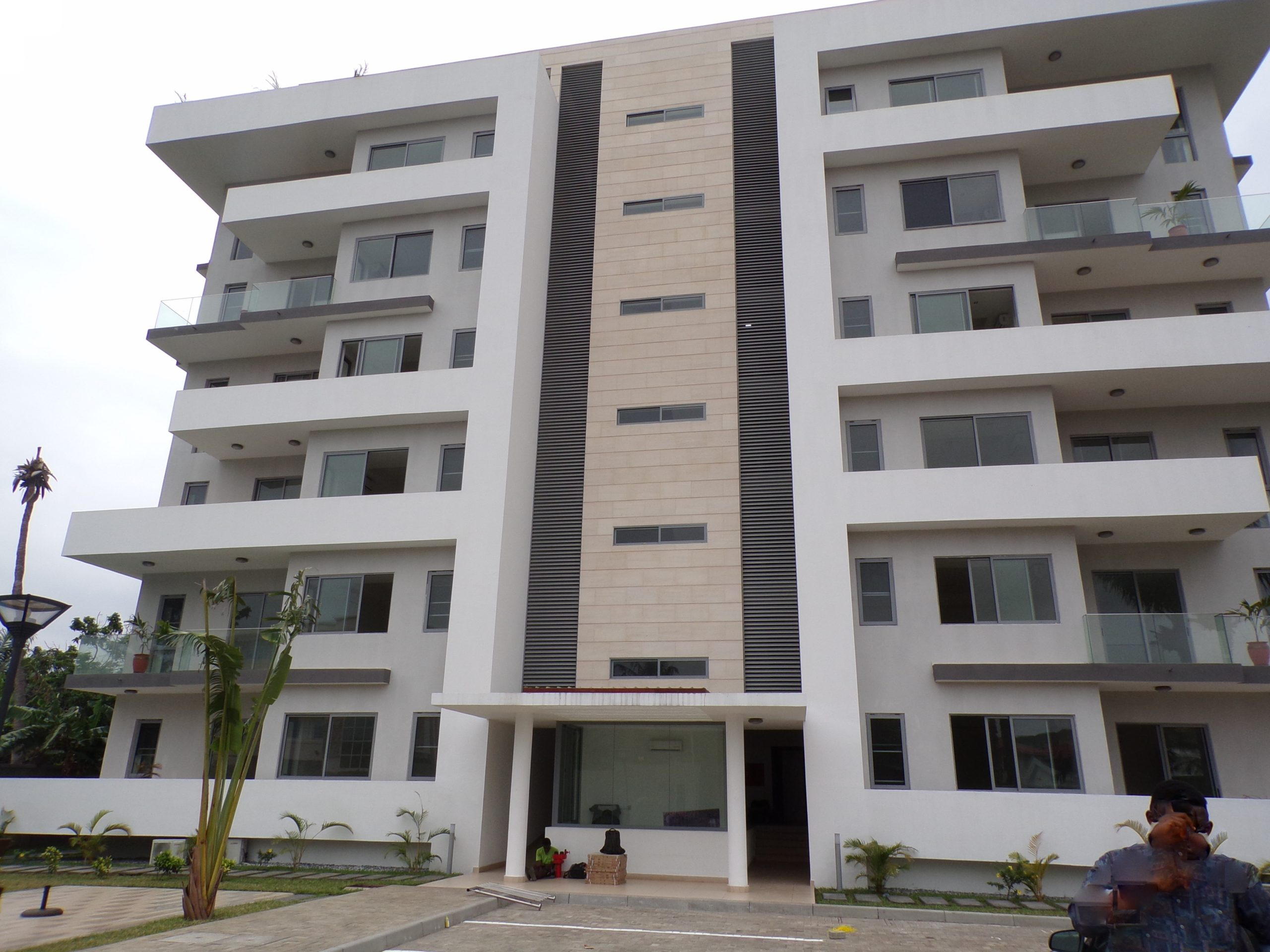 3 bedroom Luxury Unfurnished Apartment for Rent at Cantonments