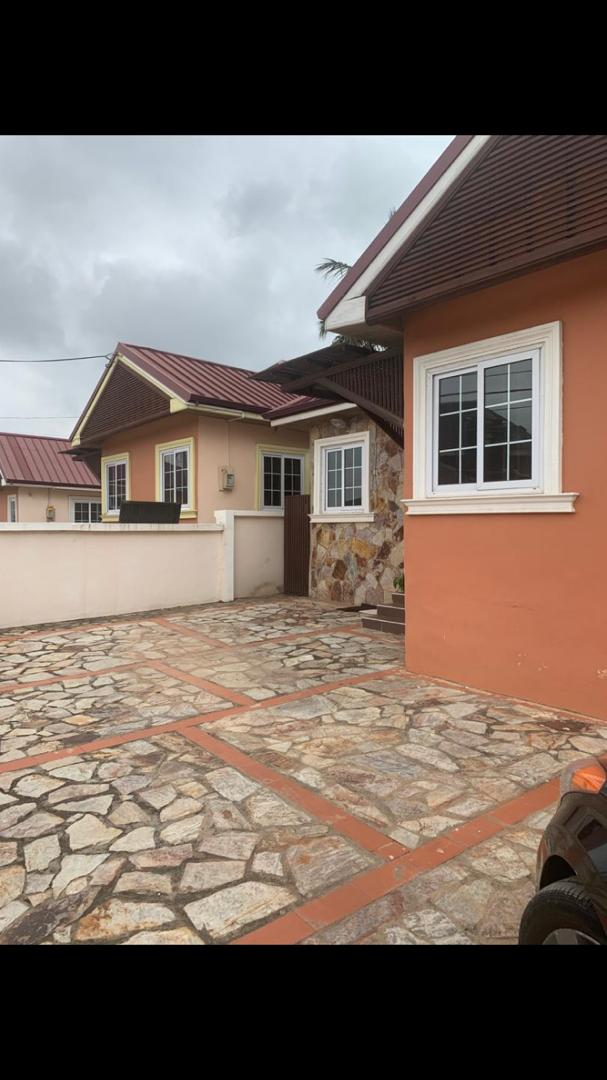 2 BEDROOM FURNISHED TOWNHOUSE FOR RENT AT ACHIMOTA
