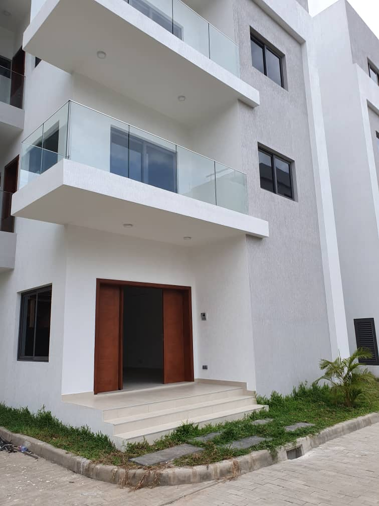 4 bedroom townhouse for rent in Airport Residential Area