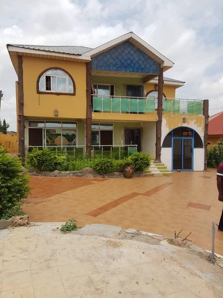 4 bedroom Unfurnished House for Rent at Ashongman Estate