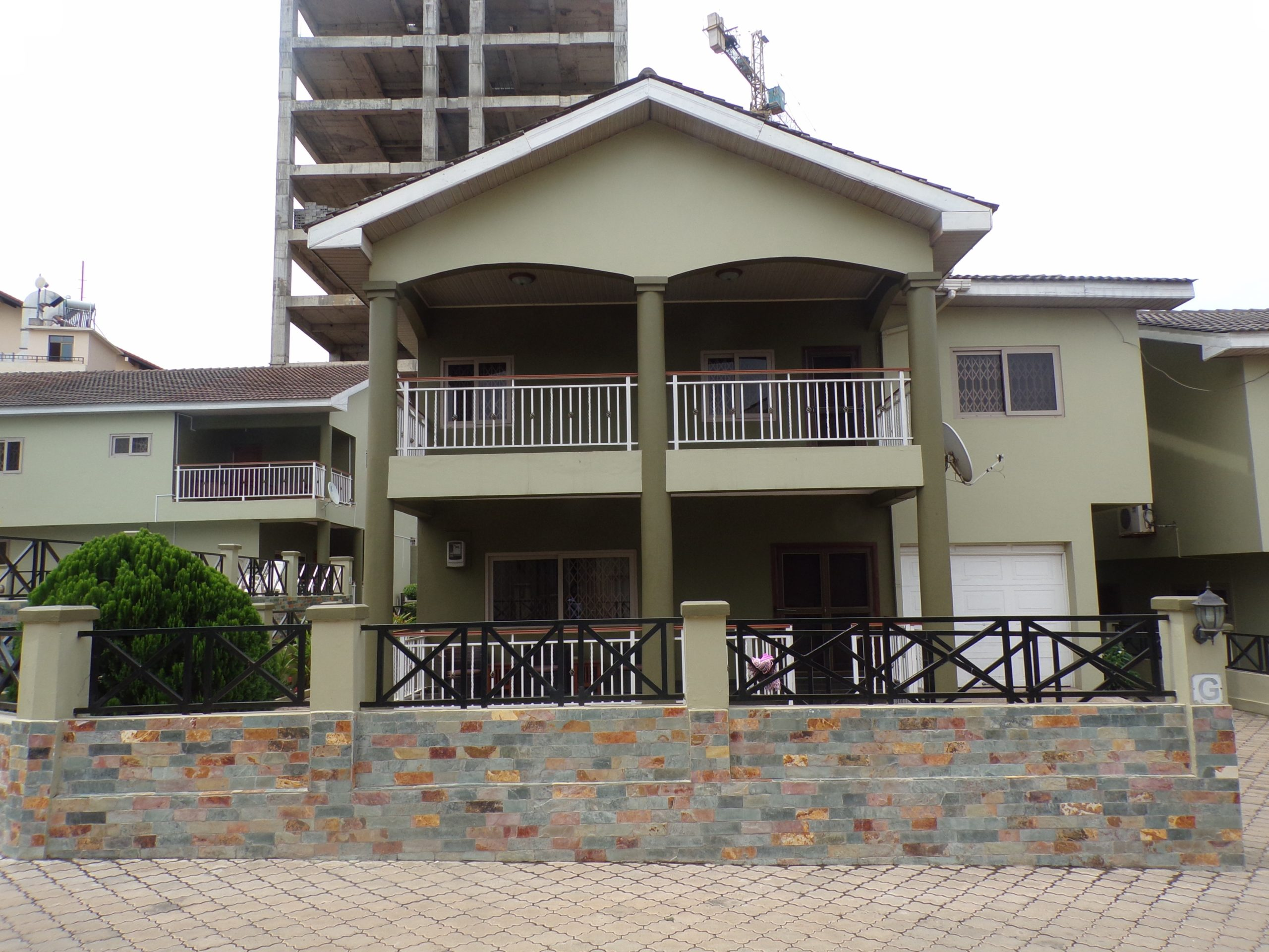4 BEDROOM FURNISHED APARTMENT FOR RENT AT AIRPORT RESIDENTIAL