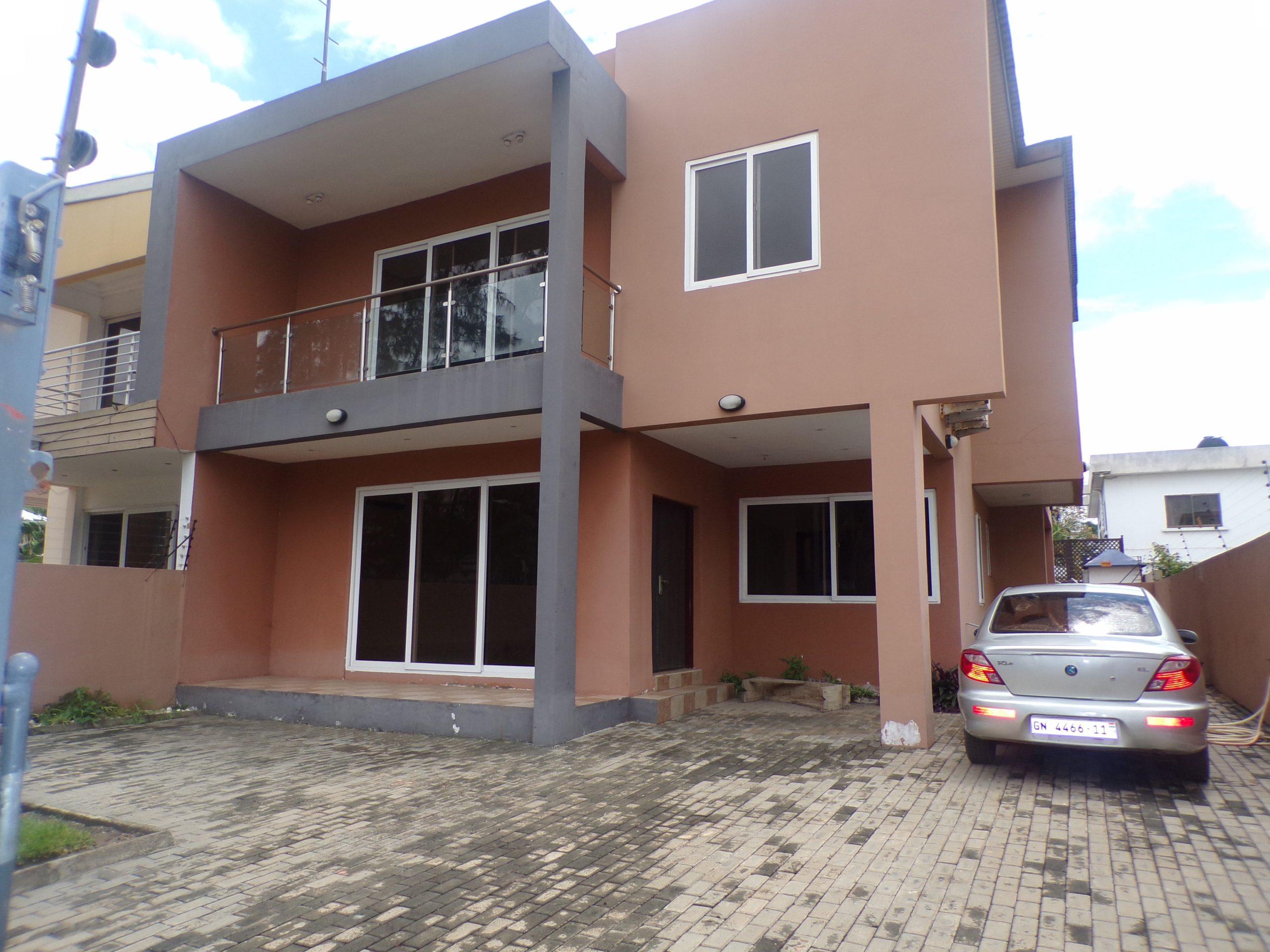 4 BEDROOM UNFURNISHED HOUSE FOR RENT AT LABONE
