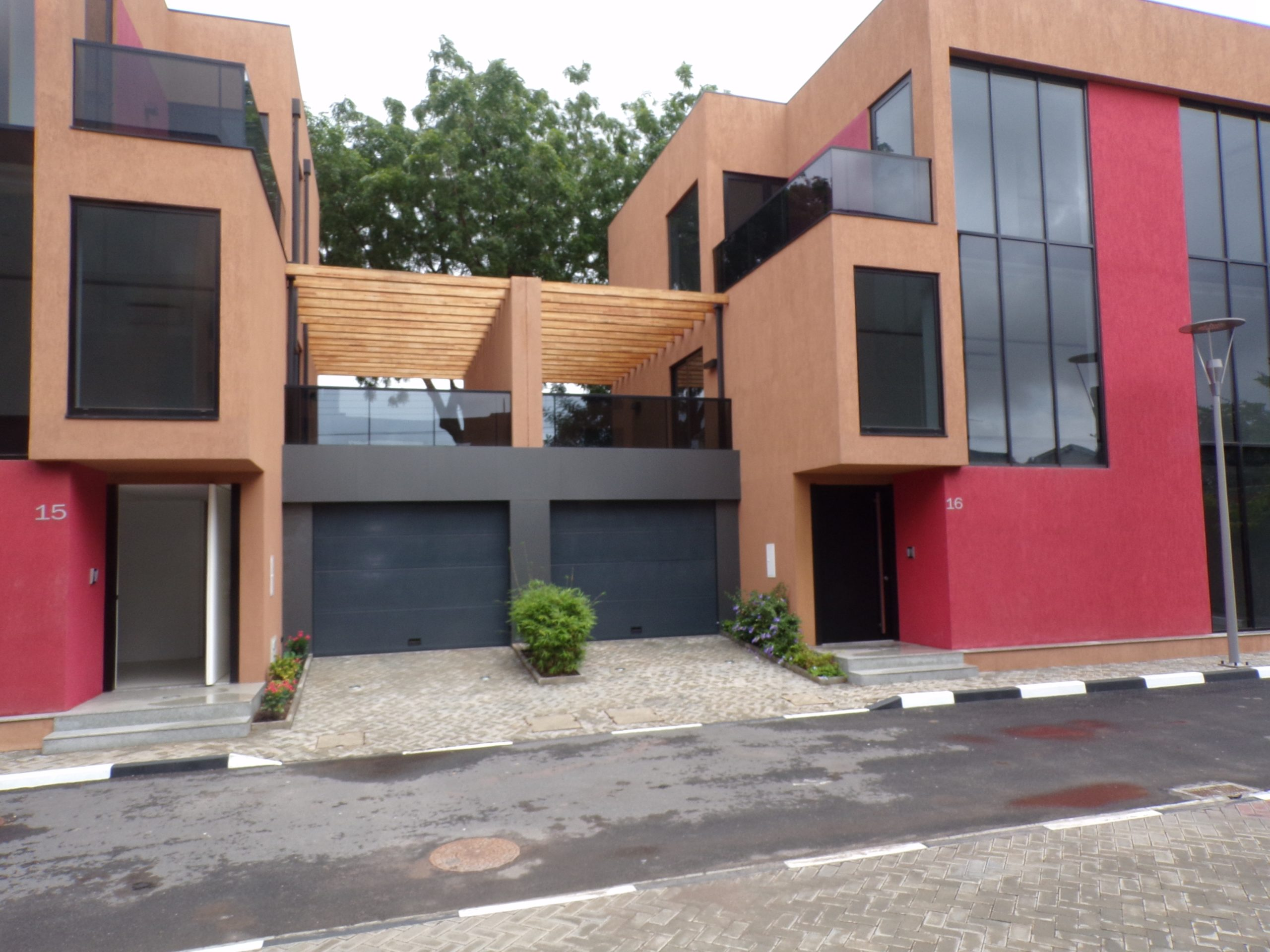 4 BEDROOM LUXURY UNFURNISHED TOWNHOUSE FOR RENT AT CANTONMENTS