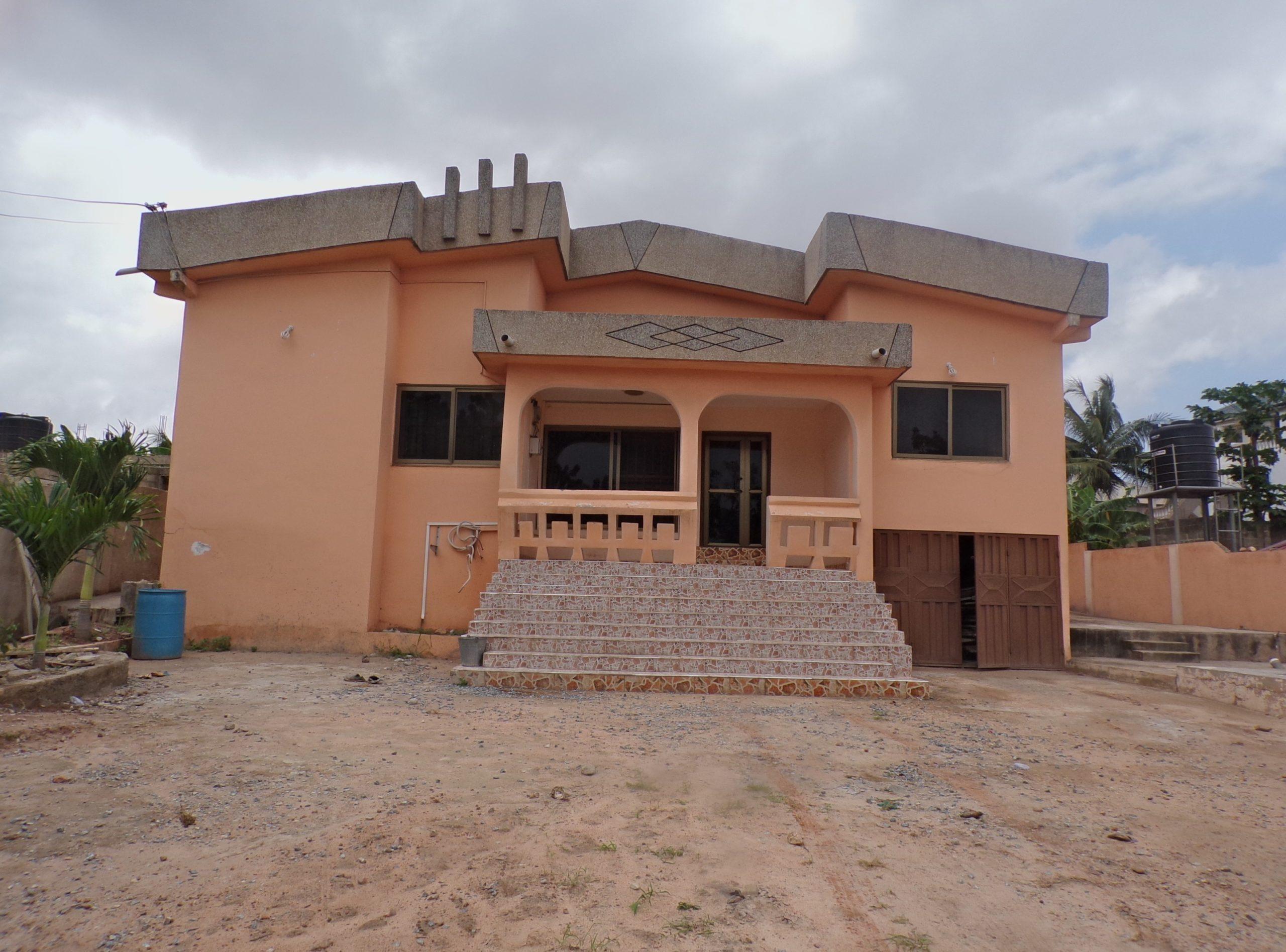 4 BEDROOM HOUSE FOR RENT AT OFANKOR
