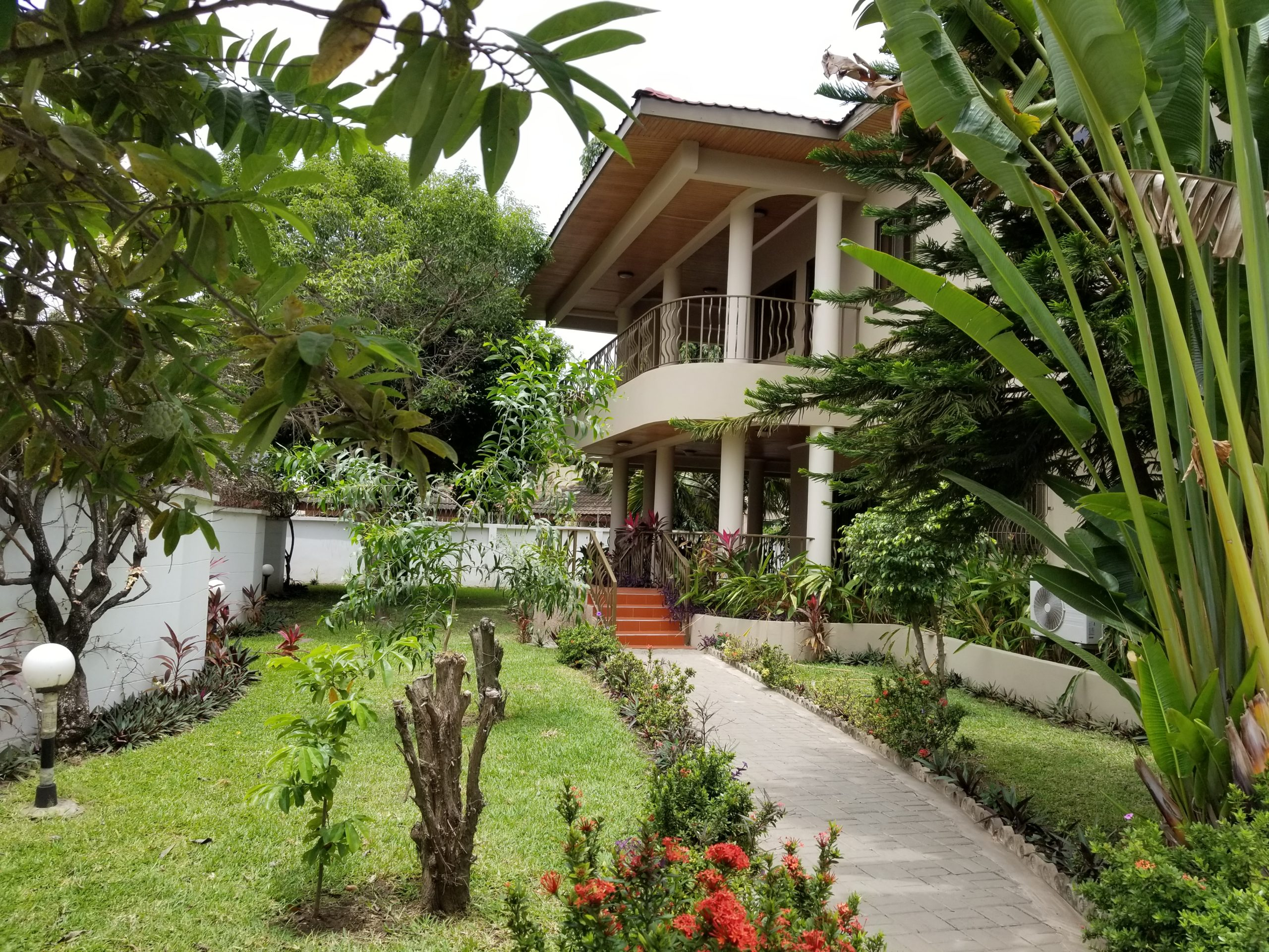 5 BEDROOM LUXURY UNFURNISHED HOUSE FOR RENT AT EAST CANTONMENTS