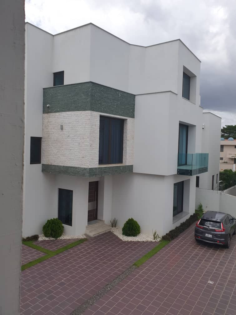 4 bedrooms townhouse for rent in East Legon