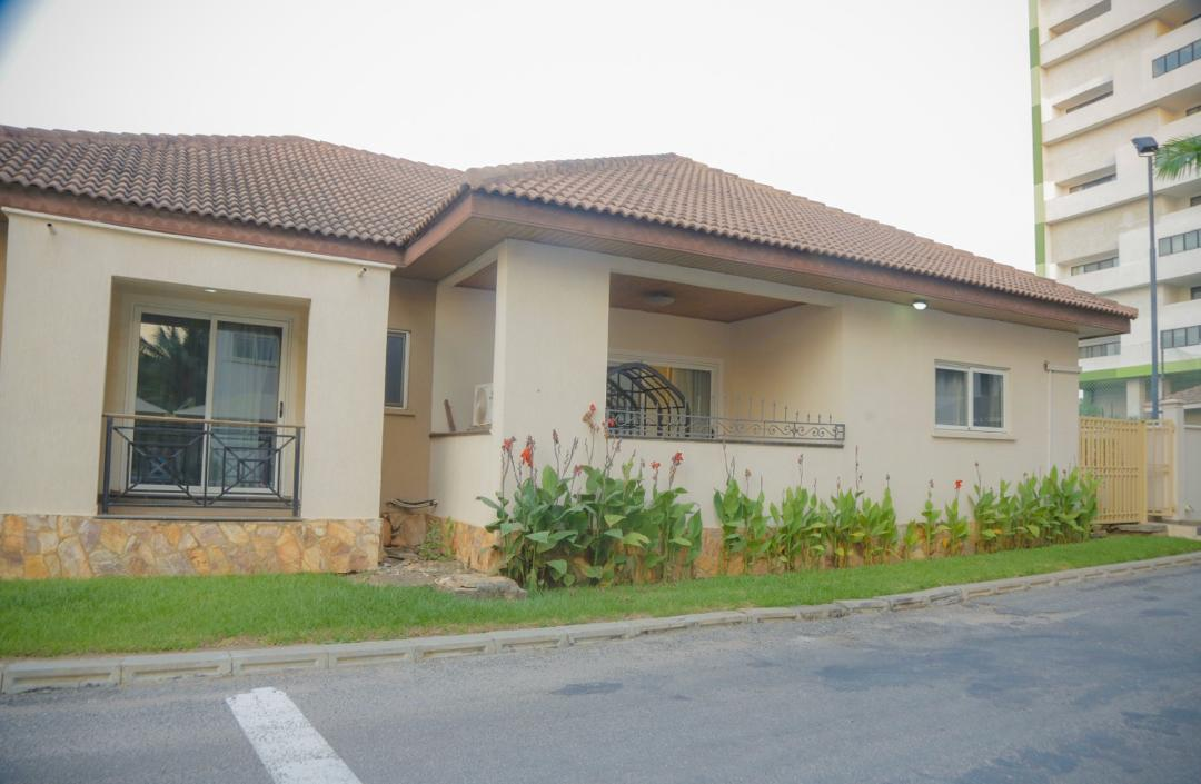 3 BEDROOM FURNISHED HOUSE FOR RENT AT AIRPORT RESIDENTIAL AREA