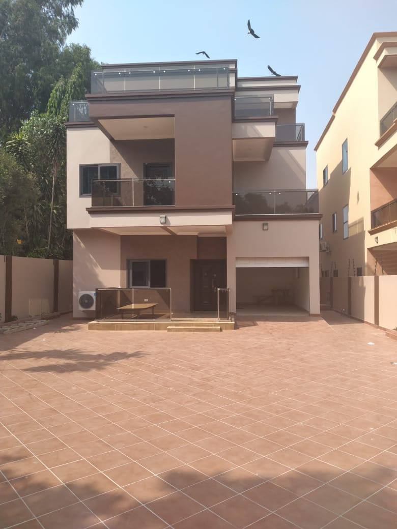 5 BEDROOM TOWNHOUSE FOR RENT AT EAST LEGON