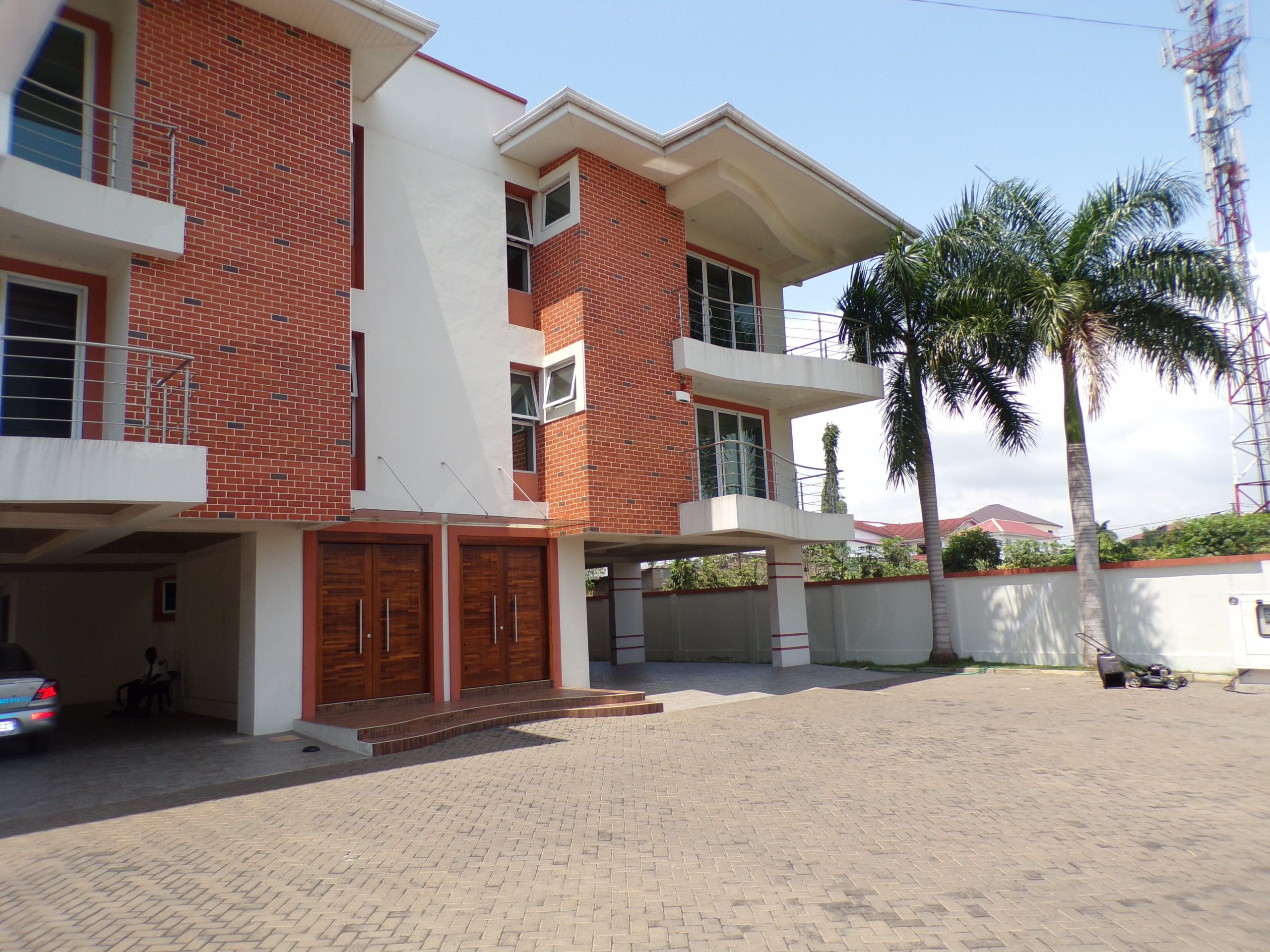 3 bedroom furnished apartment for rent in East Legon.