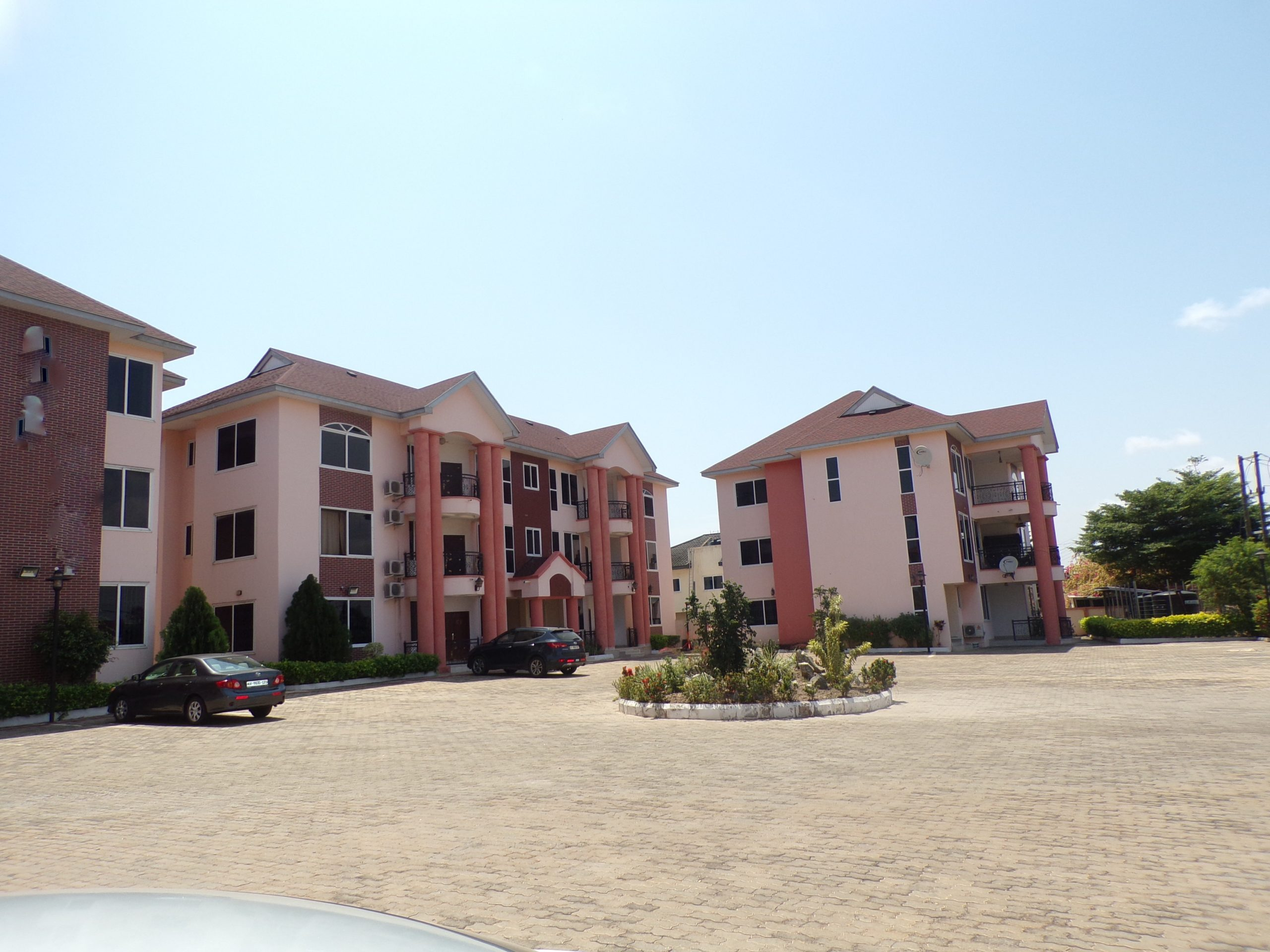 3 bedroom unfurnished apartment for rent in East Legon.