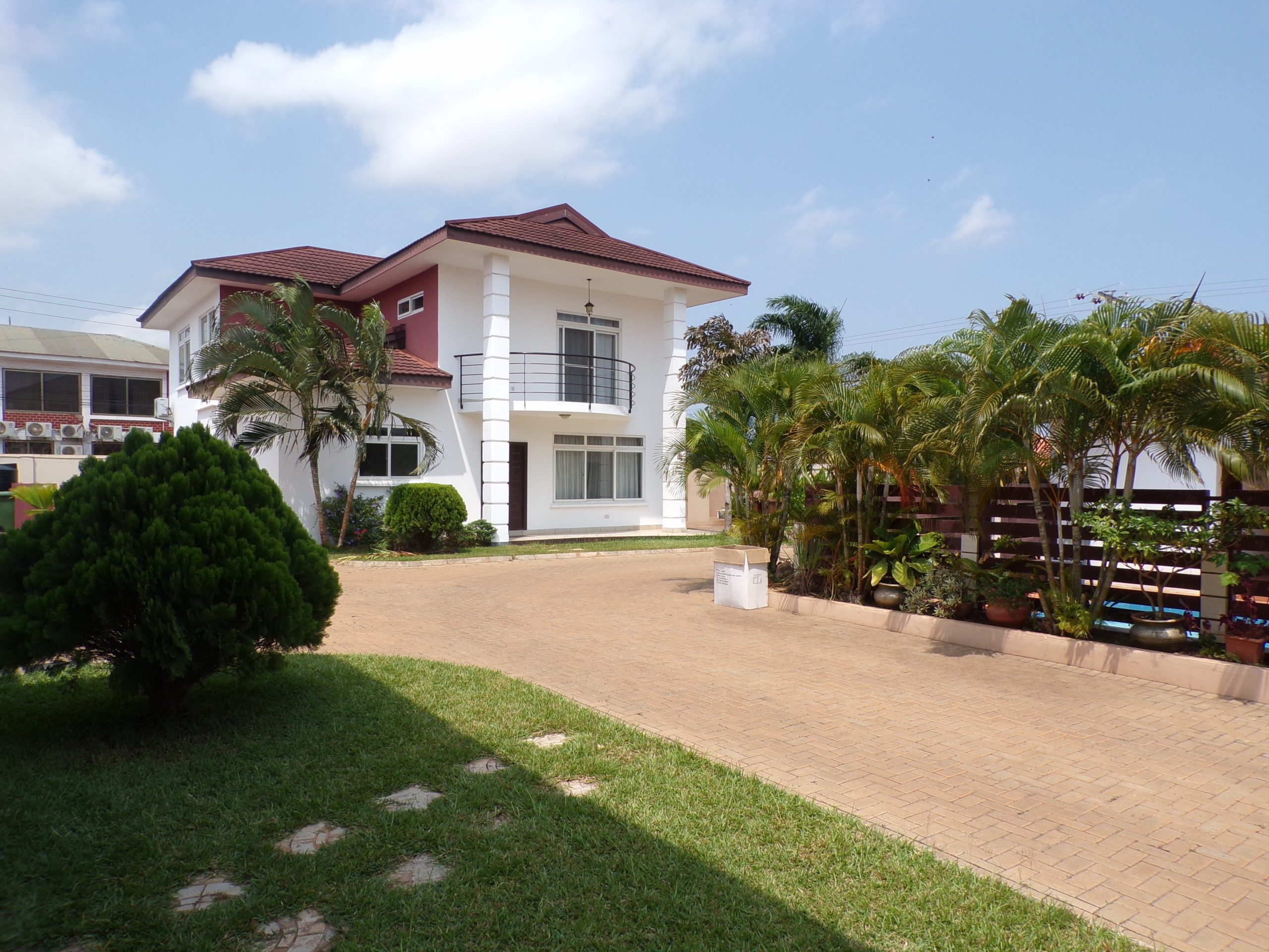 3 bedroom unfurnished townhouse for rent in East Legon