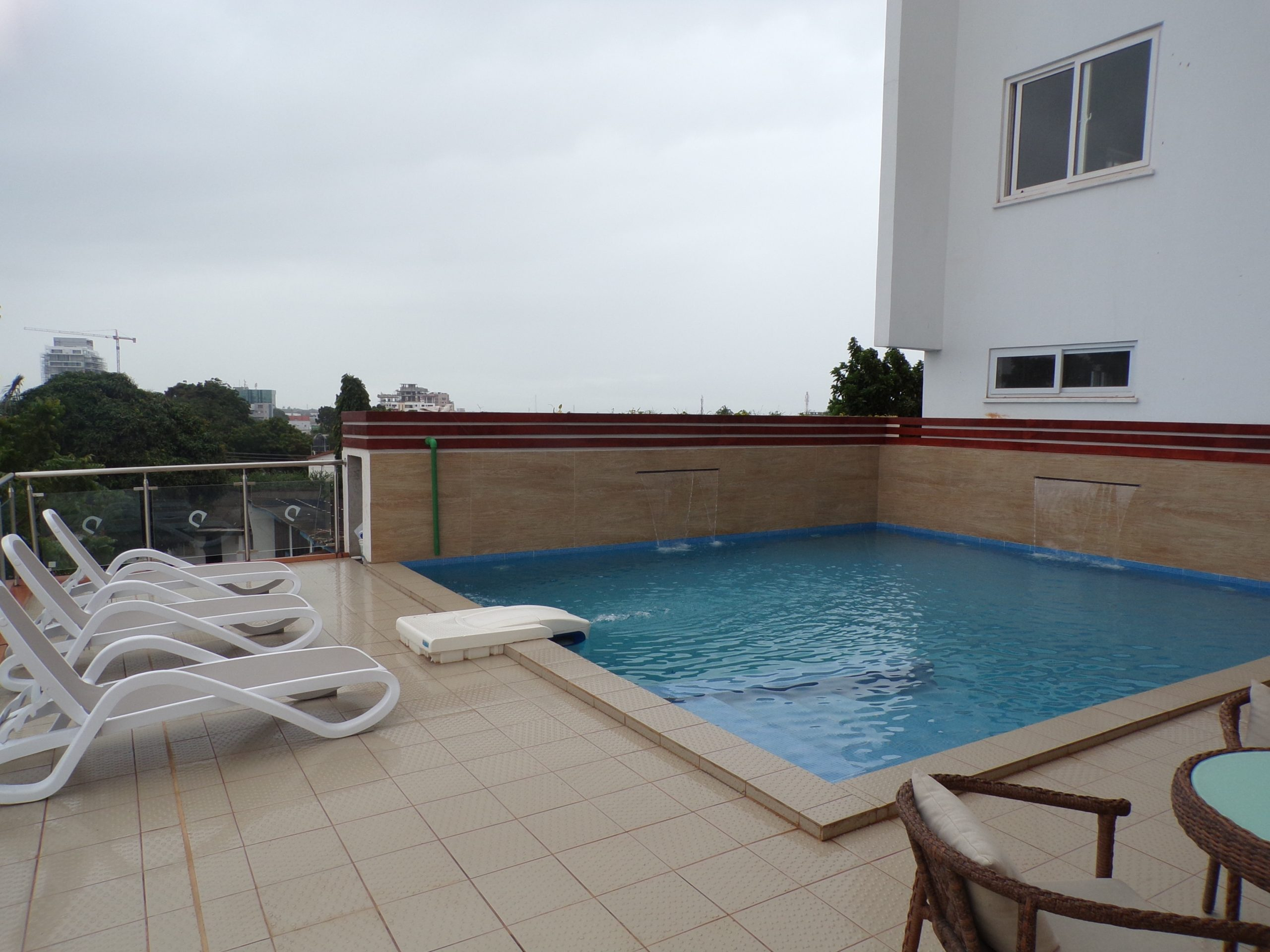 1 bedroom luxury furnished apartment for Rent in Ringway Estates.