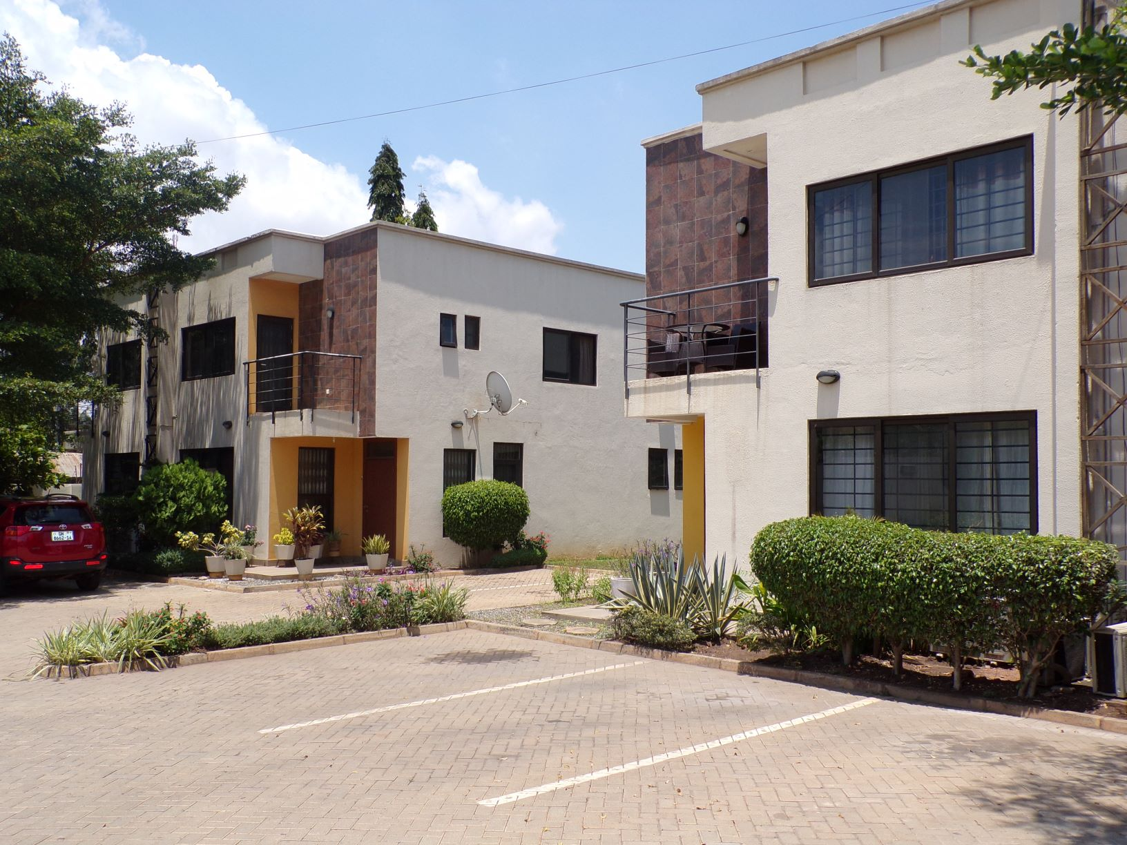 3 bedroom unfurnished townhouse for rent in Ringway