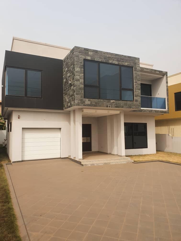 5 BEDROOM HOUSE FOR RENT AT OGBOJO