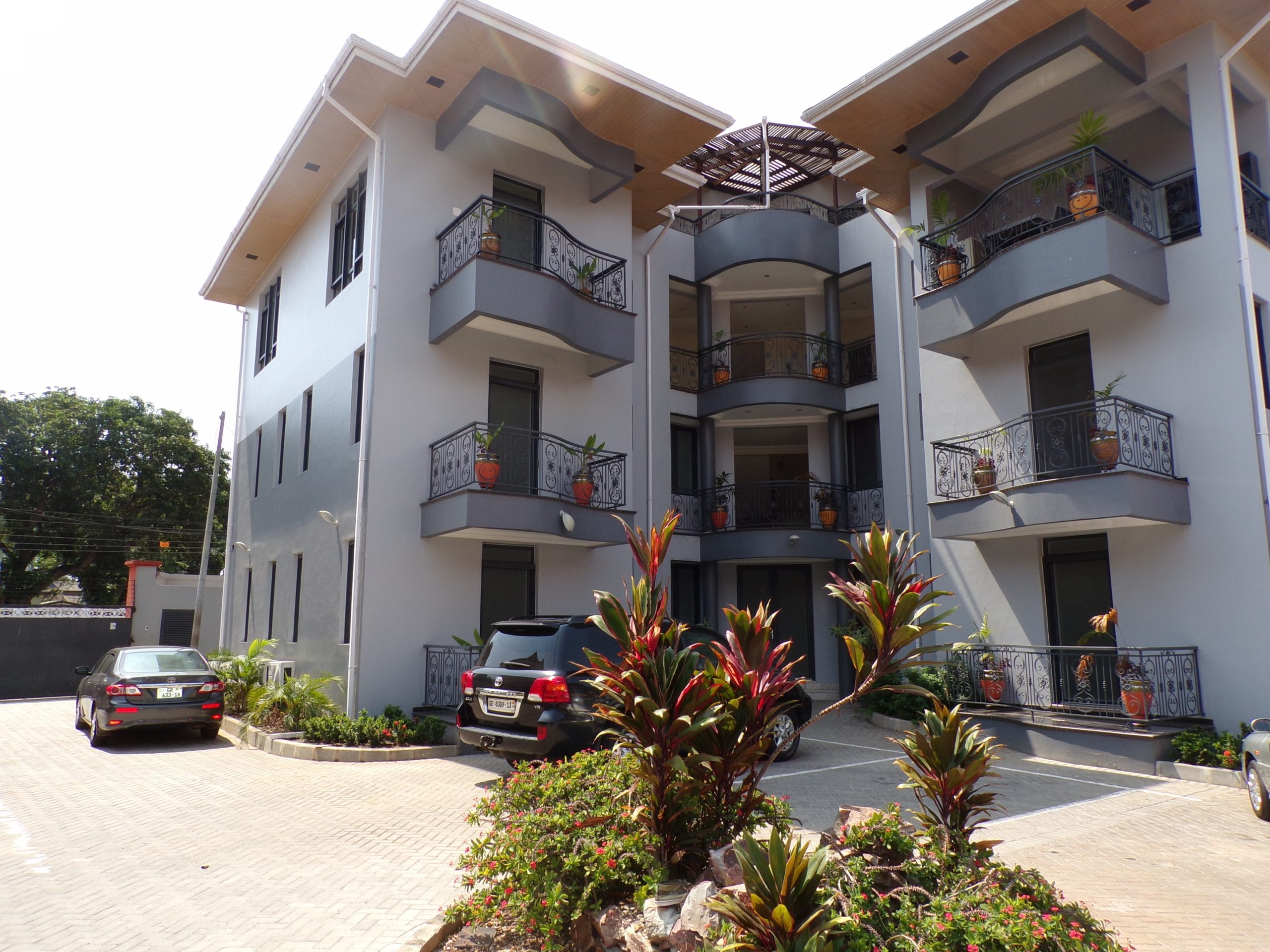 3 BEDROOM UNFURNISHED APARTMENT FOR RENT AT RIDGE