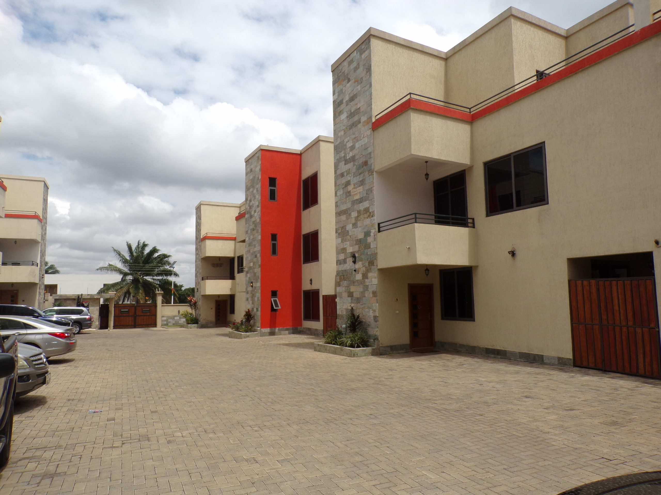 3 bedroom unfurnished townhouse for rent in Roman Ridge