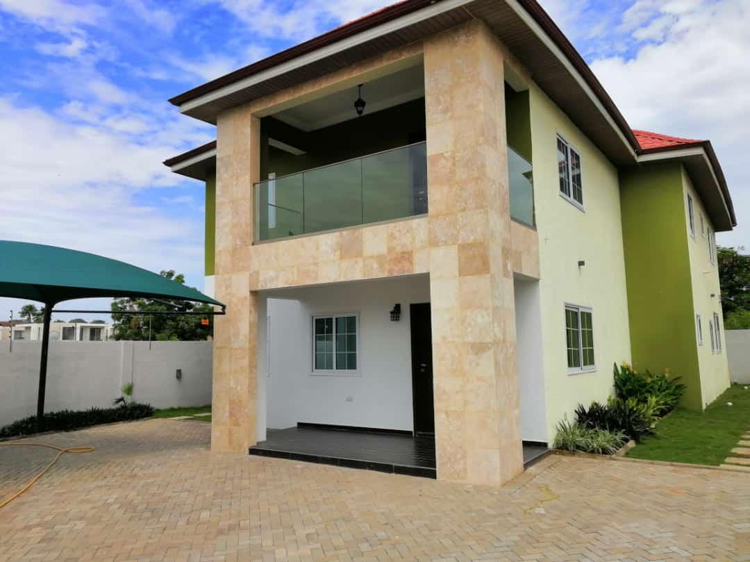4 BEDROOM HOUSE FOR SALE AT ROMAN RIDGE