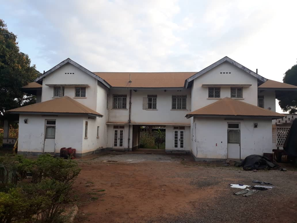 8 bedroom house for sale in Tema
