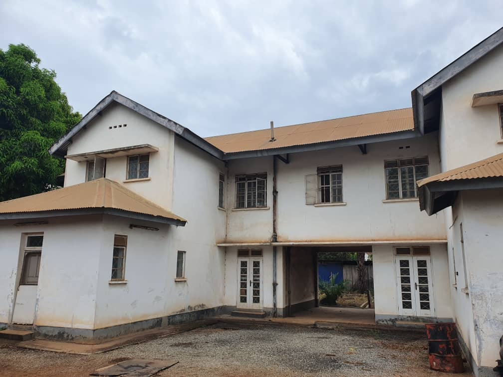 8 BEDROOM HOUSE FOR SALE AT TEMA COMMUNITY 2