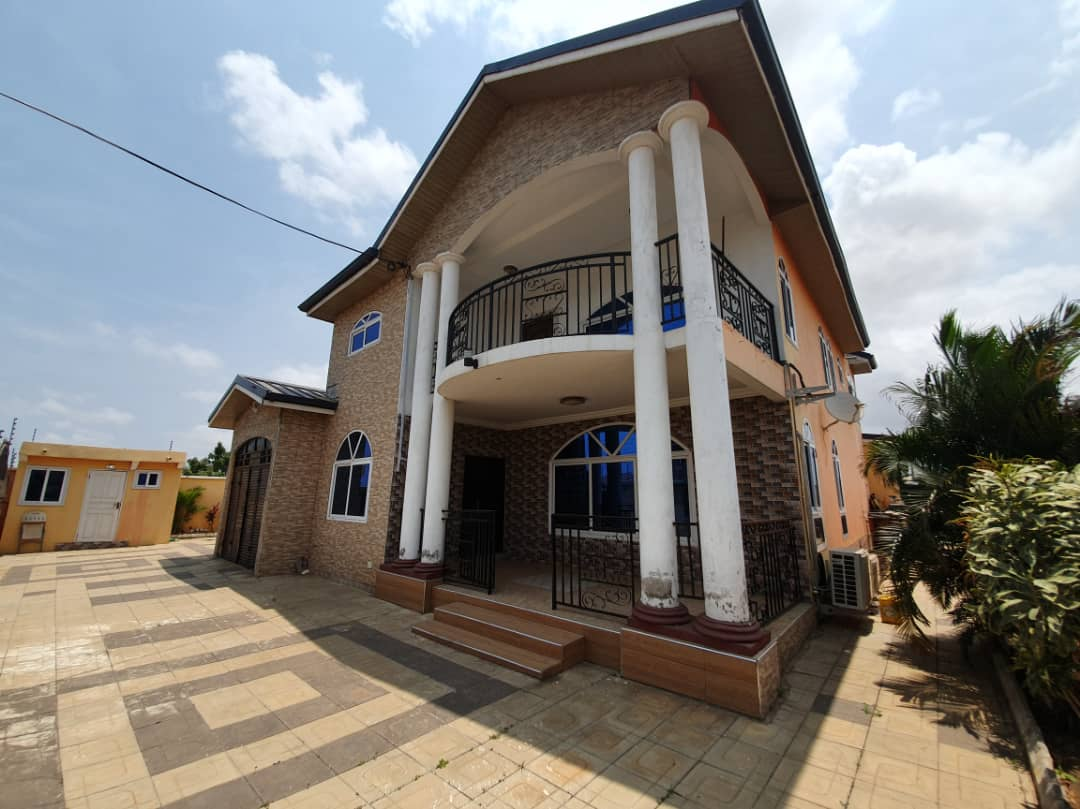 6 BEDROOM FURNISHED HOUSE FOR RENT IN TEMA