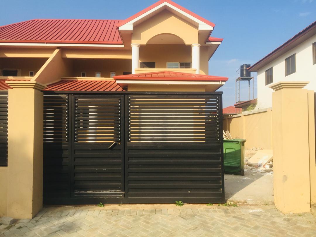 4 BEDROOM UNFURNISHED HOUSE FOR RENT AT ADJIRINGANOR