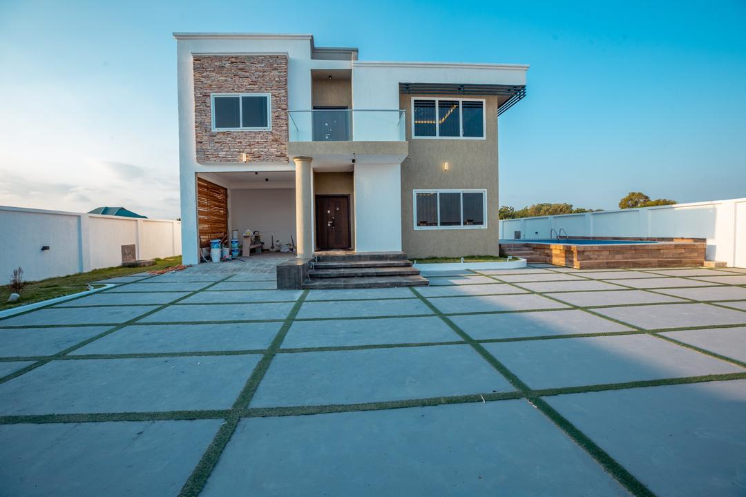 4 BEDROOM HOUSE FOR SALE AT KATAMANSO
