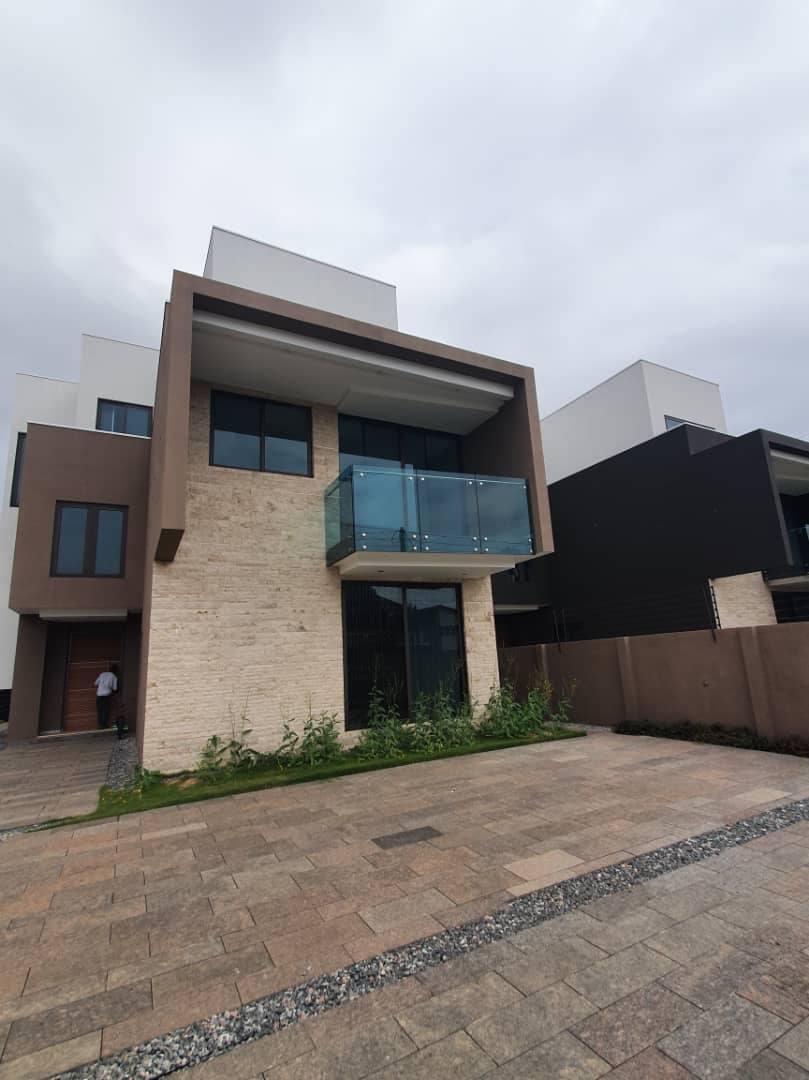 4 BEDROOM HOUSE FOR RENT AT EAST LEGON
