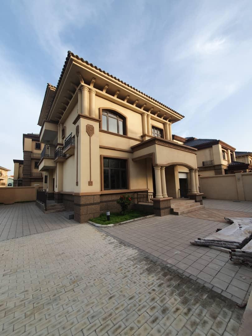 6 BEDROOM HOUSE FOR SALE AT ADJIRINGANOR