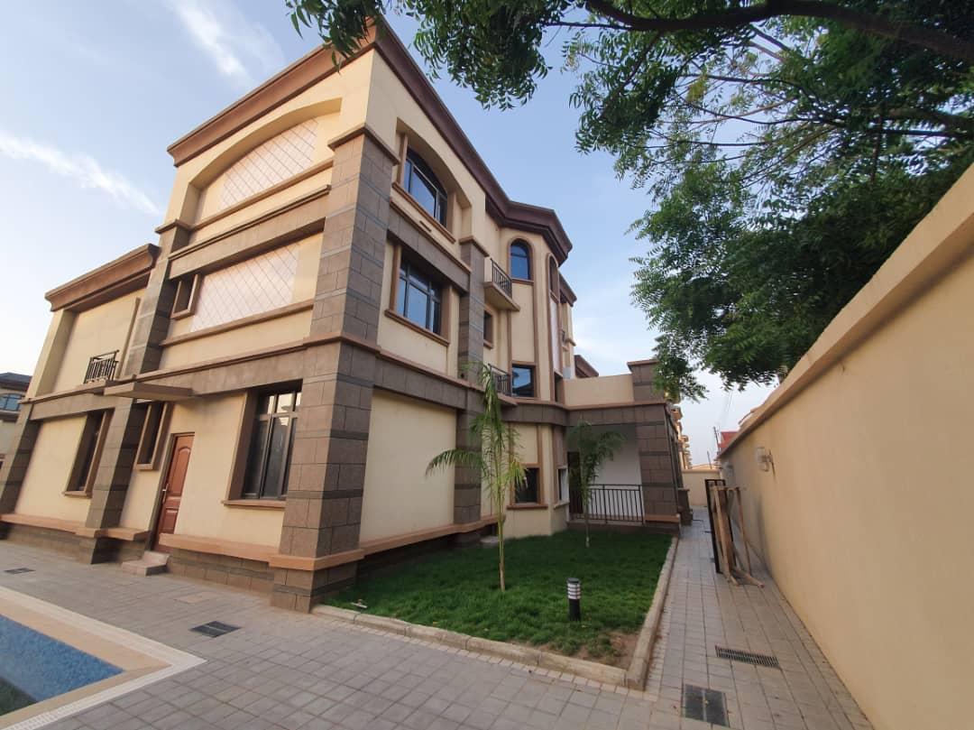 8 BEDROOM HOUSE FOR SALE AT ADJIRINGANOR