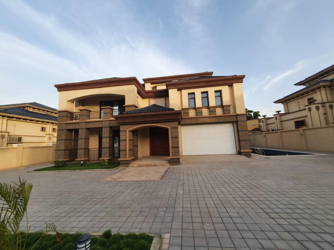 7 BEDROOM HOUSE FOR SALE ADJIRINGANOR