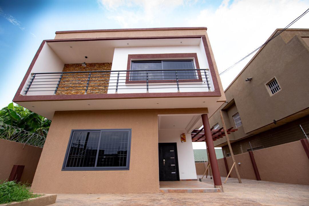 3 BEDROOM STOREY HOUSE FOR SALE AT OYARIFA