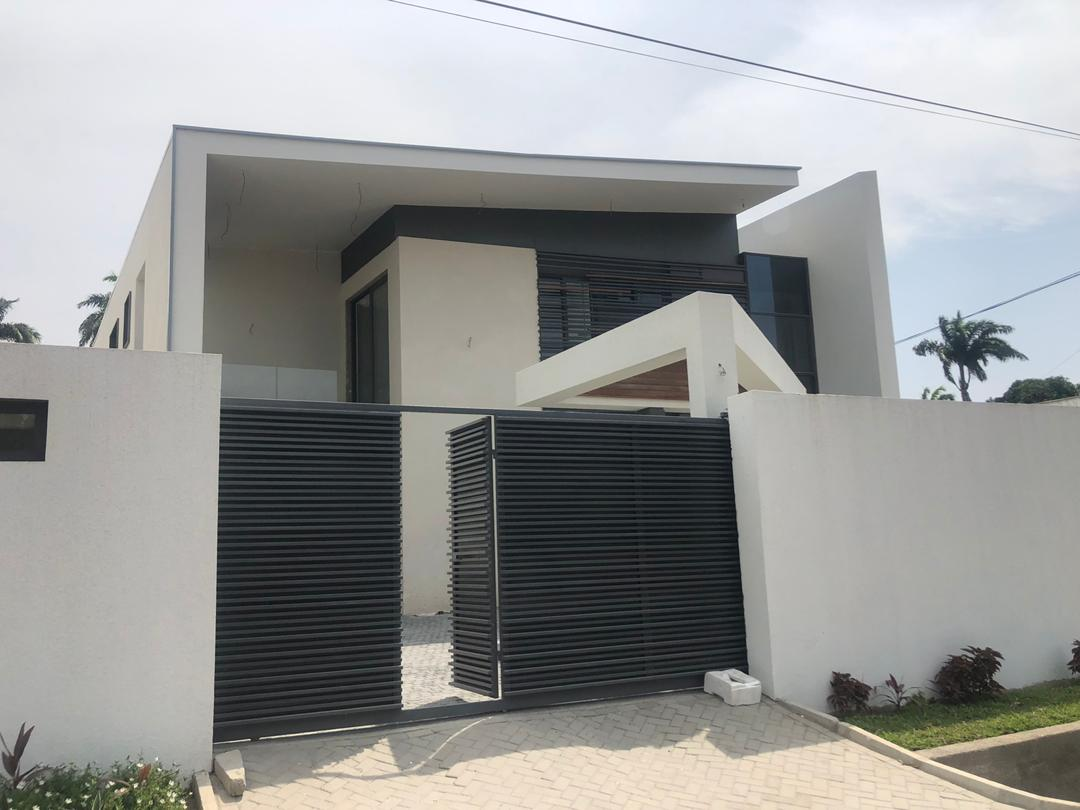 5 BEDROOM STOREY HOUSE FOR SALE AT CANTONMENTS