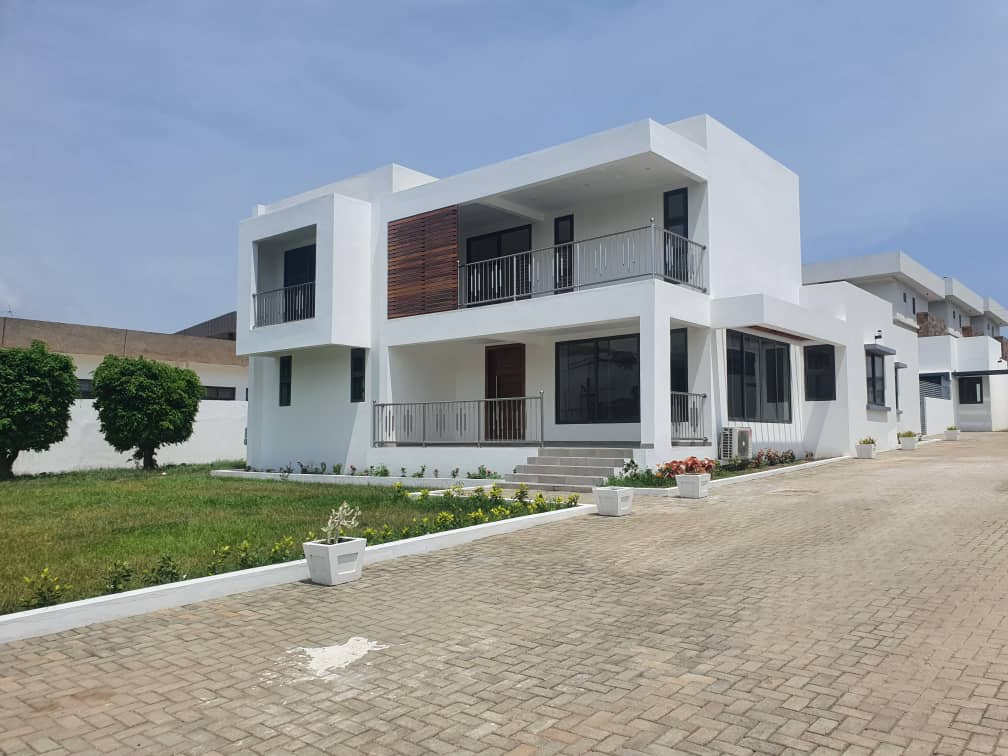 5 bedroom house for rent in Airport Residential Area.