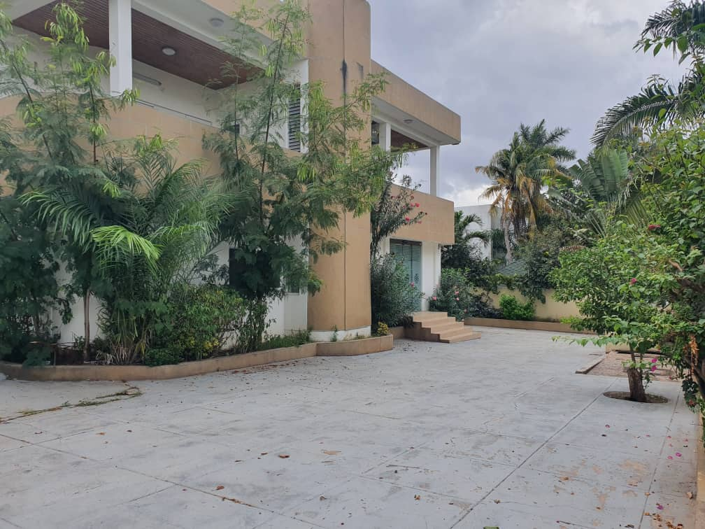 16 BEDROOM HOUSE FOR RENT IN AIRPORT RESIDENTIAL AREA
