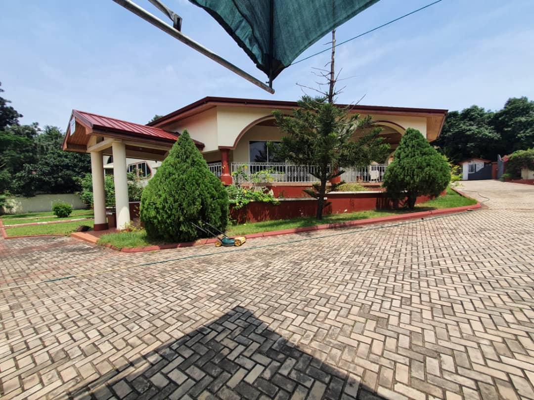 5 BEDROOM HOUSE FOR RENT IN AIRPORT RESIDENTIAL AREA