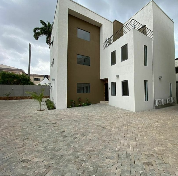 3 BEDROOM SEMI-DETACHED TOWNHOUSE FOR SALE AT AIRPORT RESIDENTIAL AREA