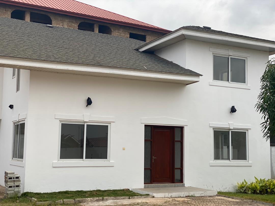4 BEDROOM UNFURNISHED TOWNHOUSE FOR RENT AT ADJIRINGANOR