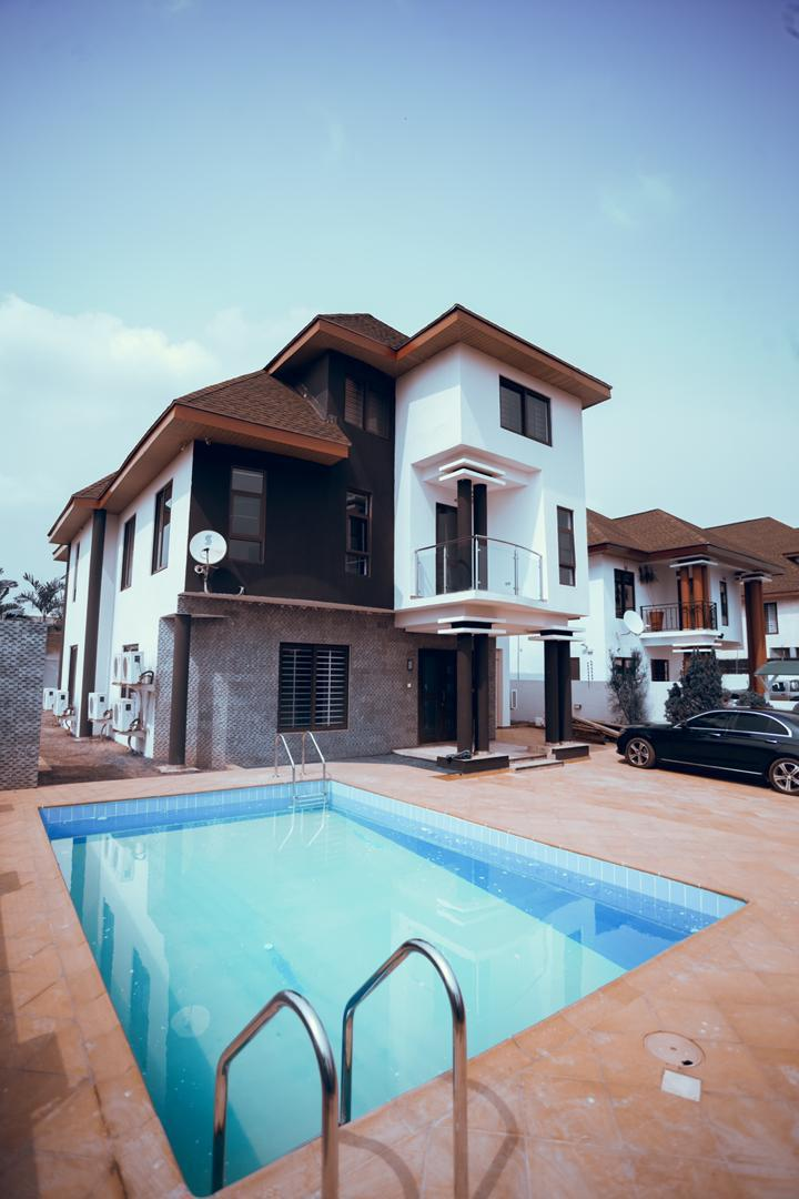 5 BEDROOM HOUSE FOR SALE AT ADJINGNGANOR