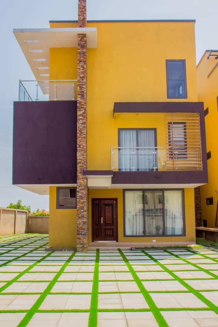 4 BEDROOM STOREY HOUSE FOR SALE AT EAST LEGON HILLS