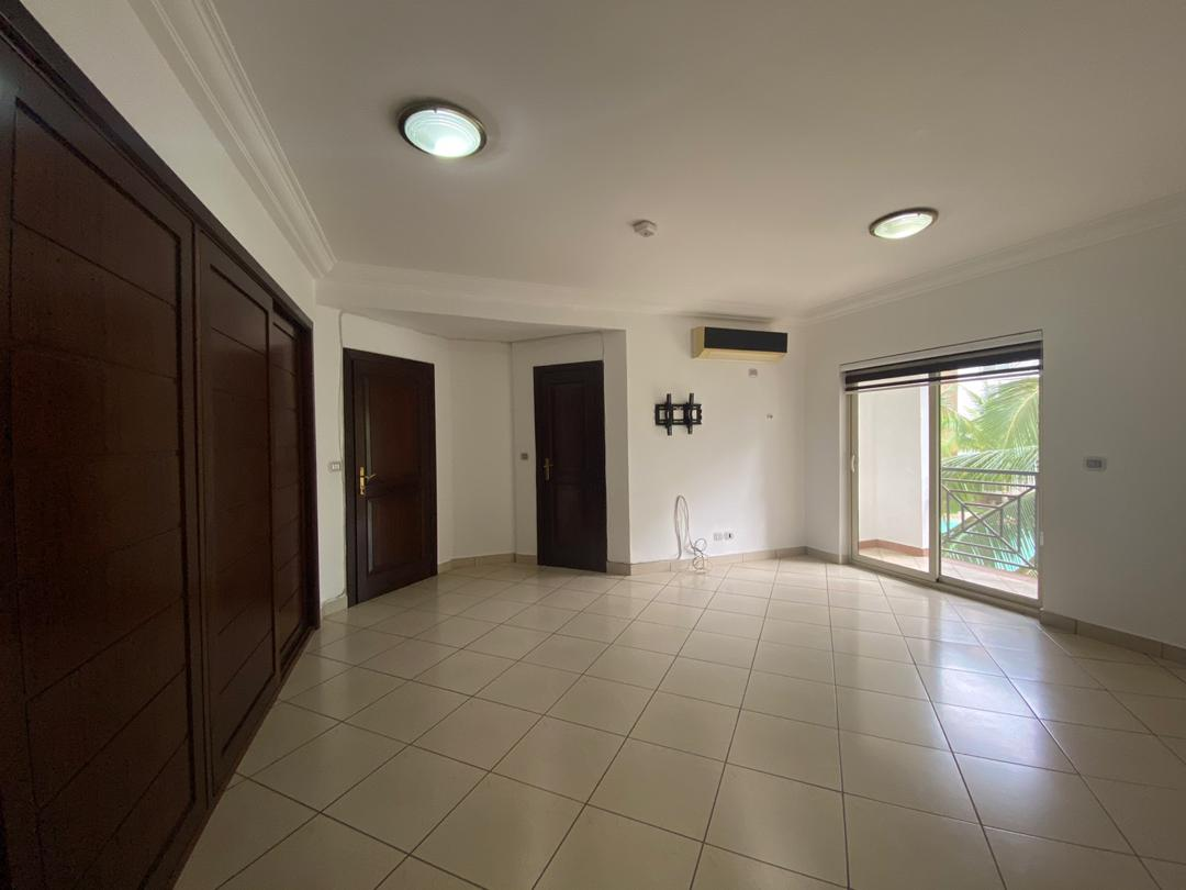 3 BEDROOM UNFURNISHED APARTMENT FOR RENT AT AIRPORT RESIDENTIAL AREA