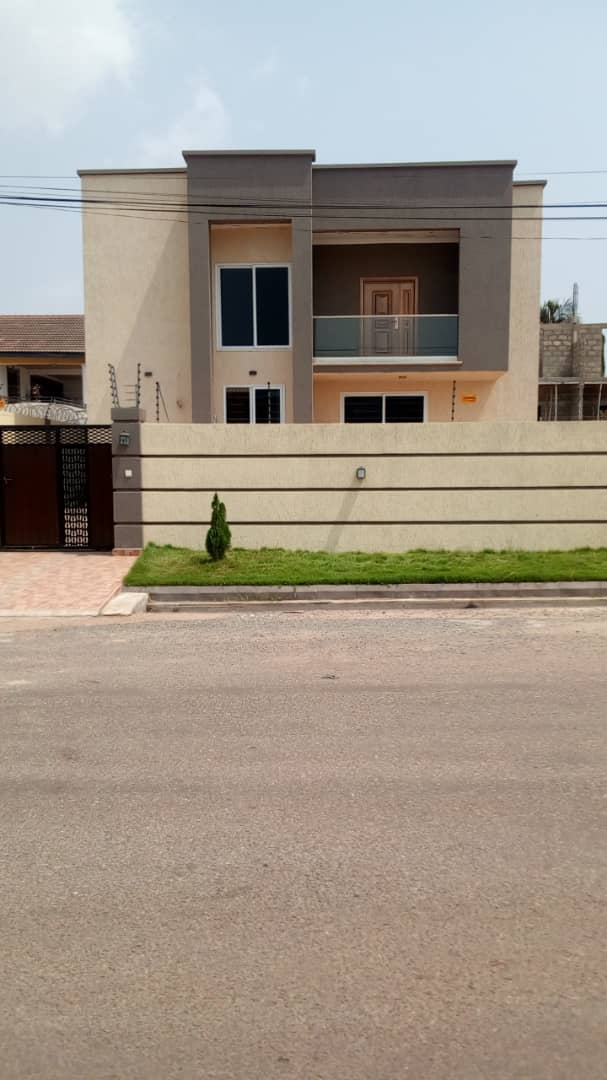 4 BEDROOM HOUSE FOR SALE AT ADJRINGANOR, AMERICAN HOUSE