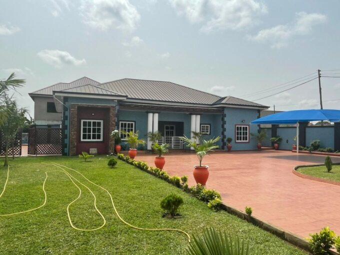 4 BEDROOM DETACHED HOUSE FOR SALE AT OYARIFA, ABOKOBI