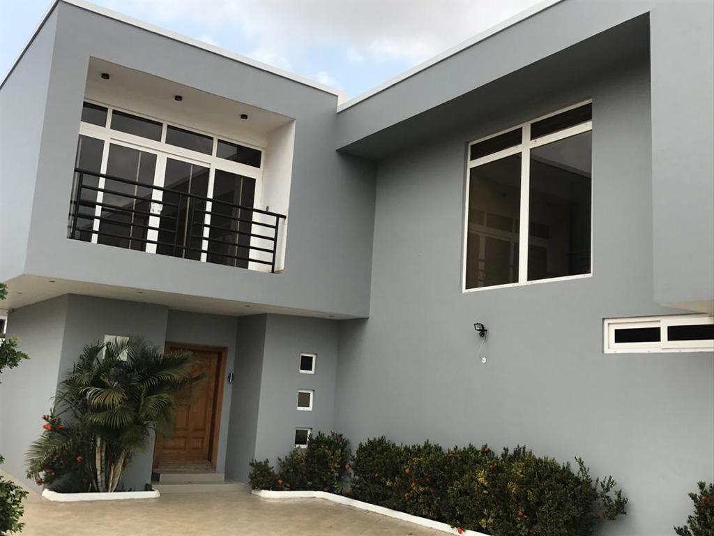 3 BEDROOM UNFURNISHED TOWNHOUSE FOR RENT AT ADJIRINGANOR