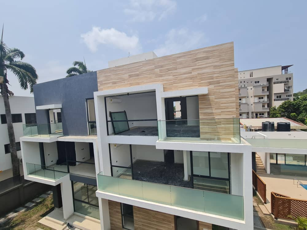 UNFURNISHED 1 BEDROOM APARTMENT FOR RENT AT CANTONMENTS