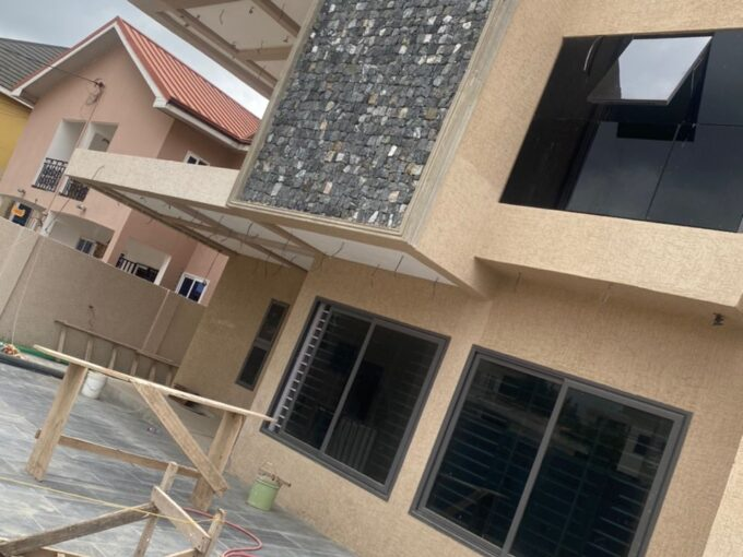 4 BEDROOM HOUSE FOR SALE AT ACHIMOTA, MILE 7