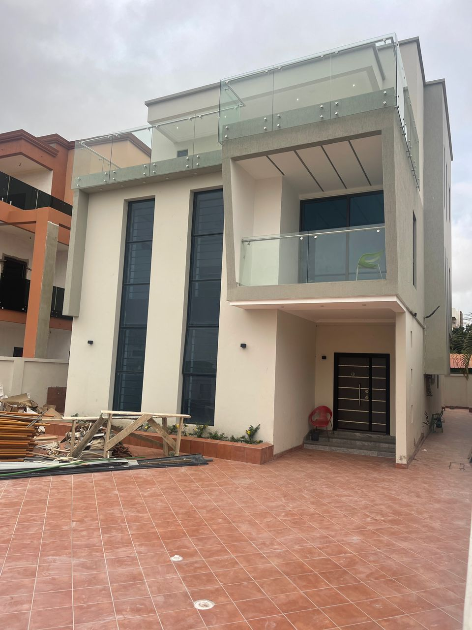 5 BEDROOM HOUSE FOR SALE AT EAST LEGON